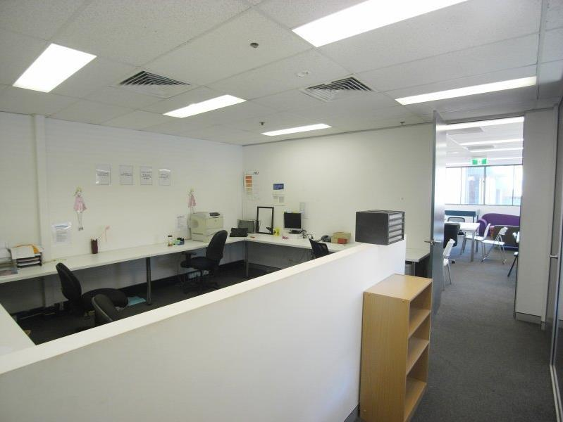 Unit 8/9-13 Winbourne Road BROOKVALE NSW 2100