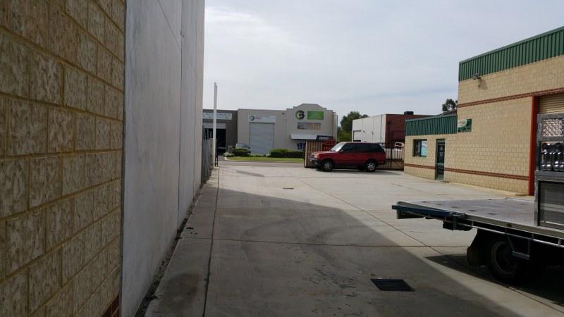 2/21 Trade Road MALAGA WA 6090