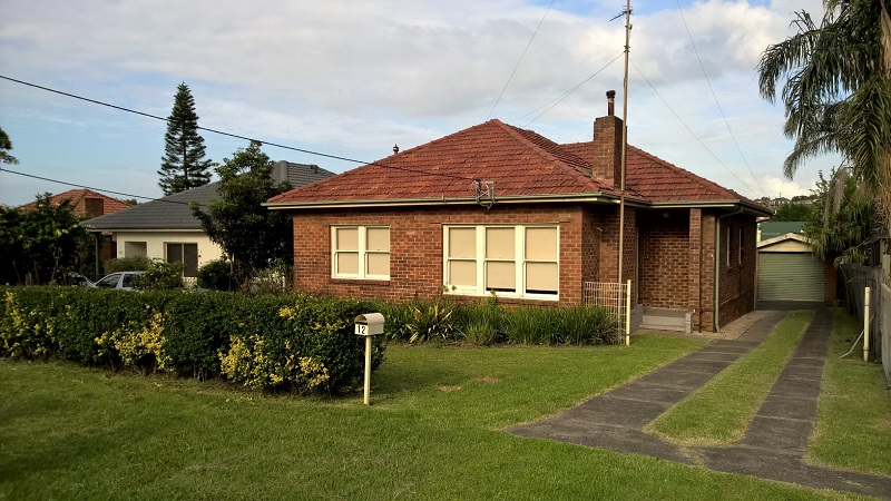 12 Churchill Avenue WARRAWONG NSW 2502