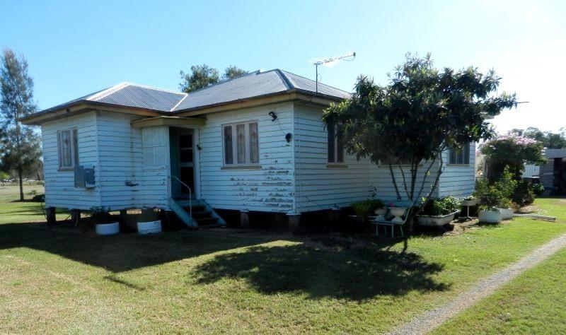 69 Coxen Street JANDOWAE QLD 4410