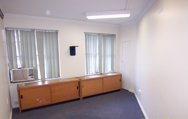 Suite 4, F/6 Burns Crescent GOSFORD NSW 2250