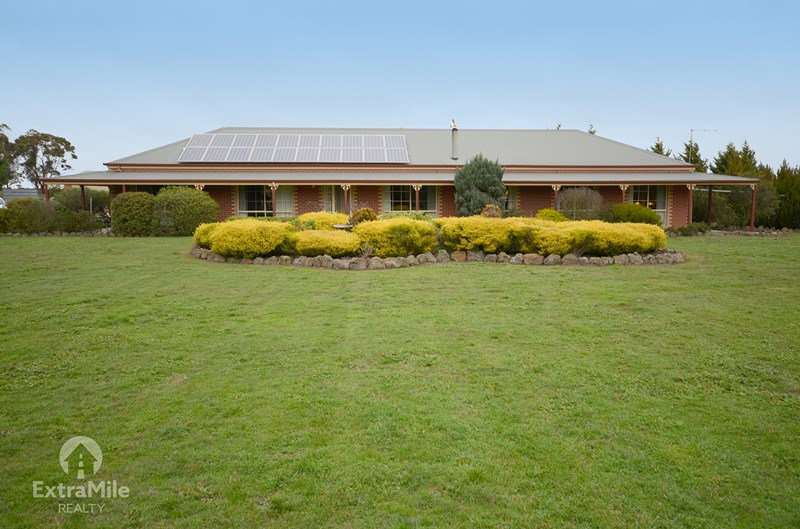 203 Lacys Rd CAMBRIAN HILL VIC 3352