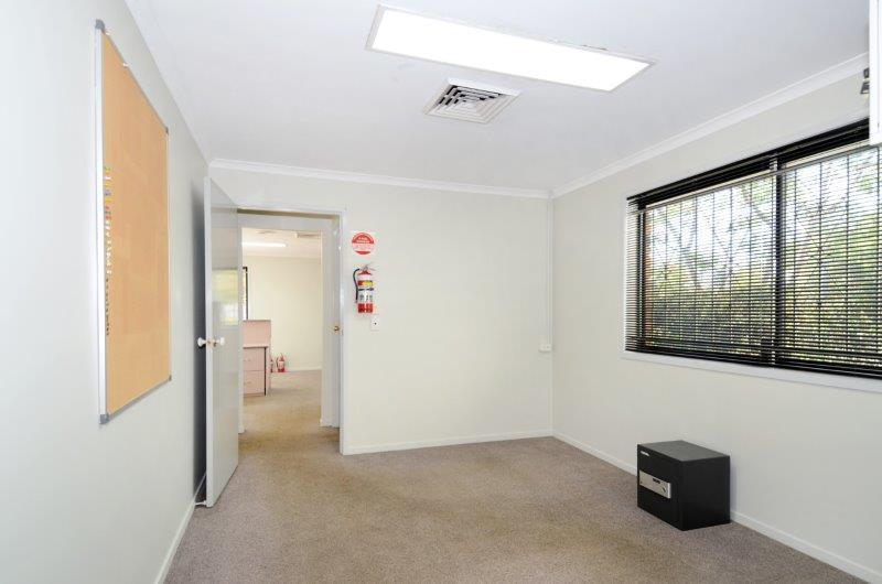 25 Yarraman Place VIRGINIA QLD 4014