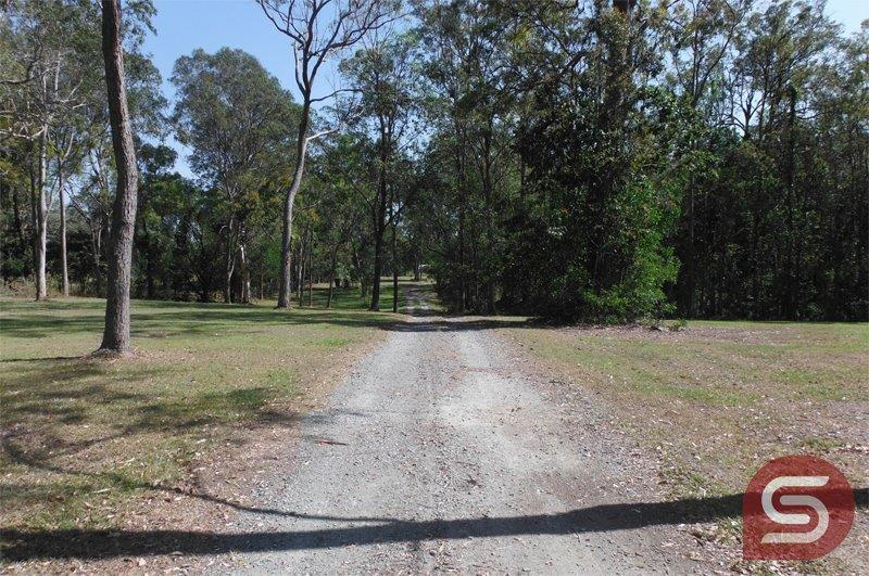 4 Behrens Road BELLMERE QLD 4510