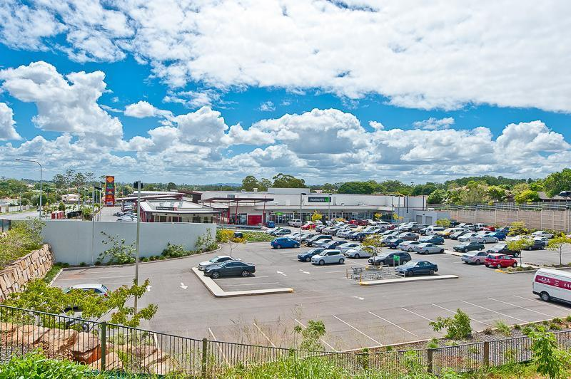 Shop  15a/261 Warrigal Road EIGHT MILE PLAINS QLD 4113