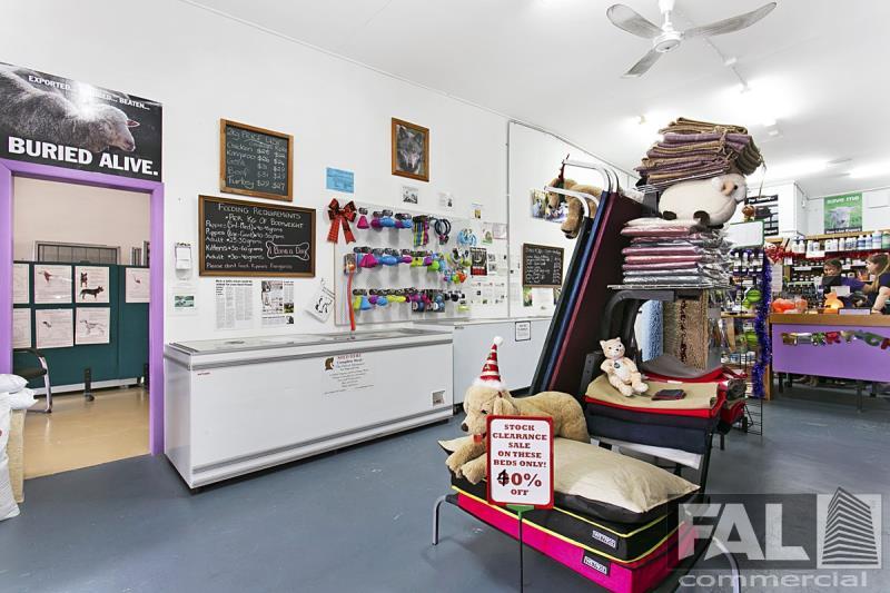 Shop  3/8 Dallas Parade KEPERRA QLD 4054