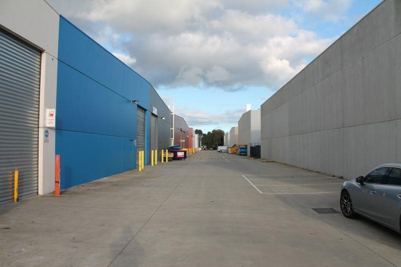 Unit 2/9-11 South Link DANDENONG VIC 3175