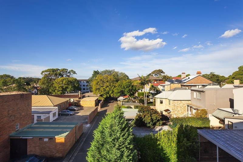 99 Alexander Street CROWS NEST NSW 2065