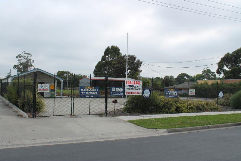 220 Princes Highway PAKENHAM VIC 3810