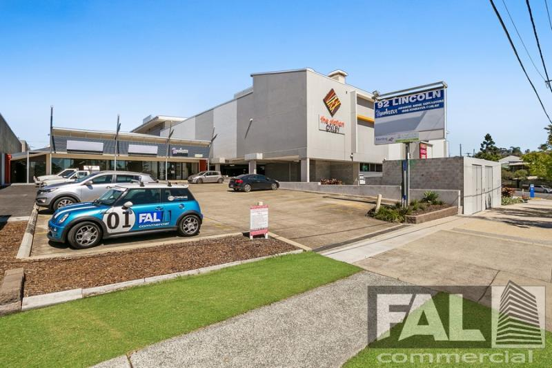 Shop  1 & 2/92 Lincoln Street OXLEY QLD 4075