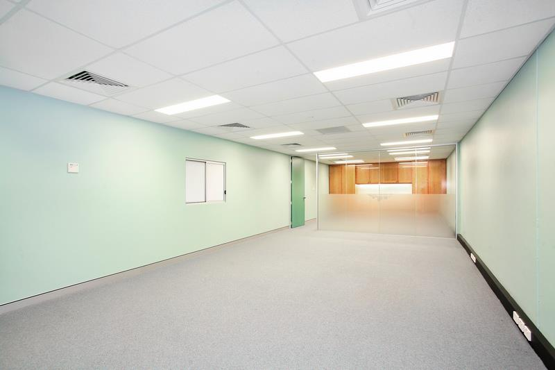 6 Spireton Place PENDLE HILL NSW 2145