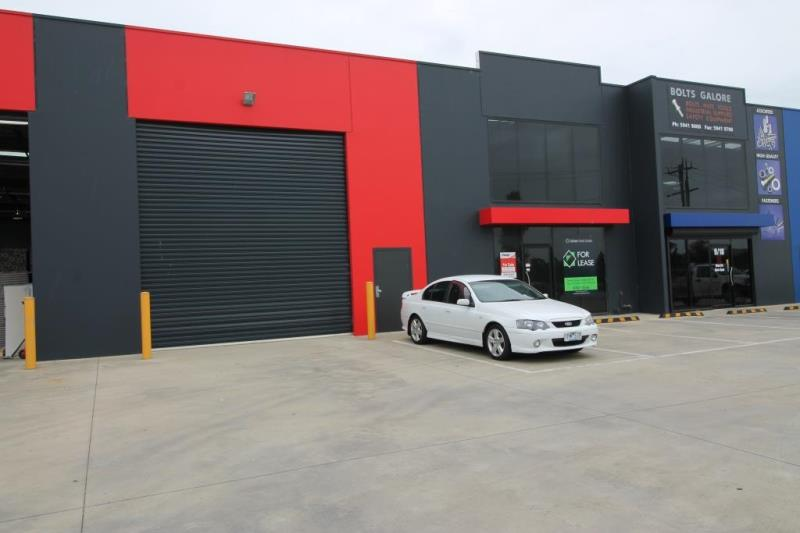 Unit 8/18-26 Bate Close PAKENHAM VIC 3810