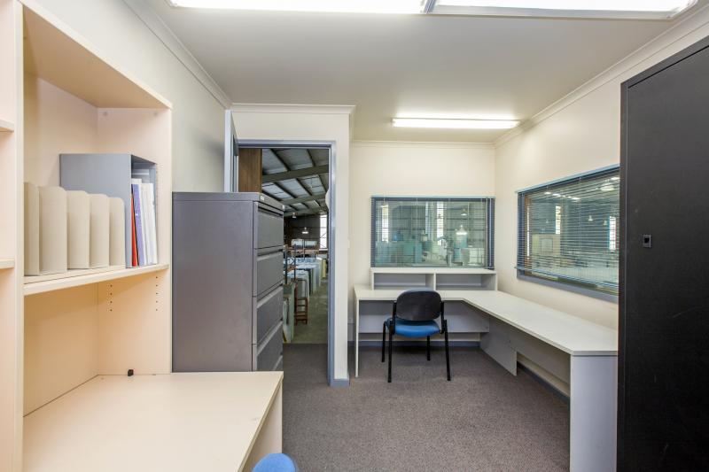 10 Charnfield Court THOMASTOWN VIC 3074