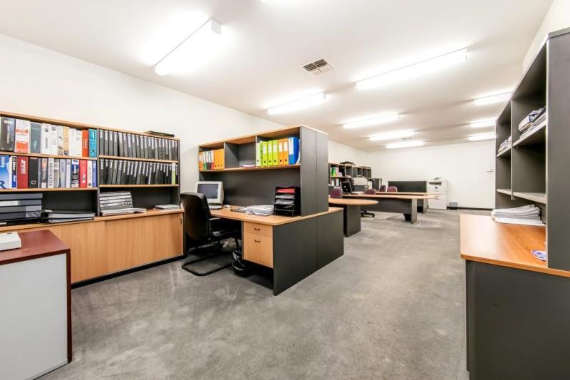 2/16 Rimfire Drive office HALLAM VIC 3803
