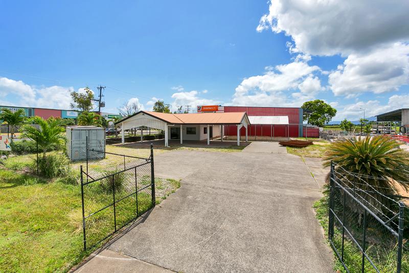 10 Mt Koolmoon Street SMITHFIELD QLD 4878