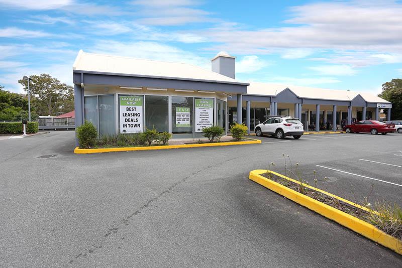 4&5/874 Beachmere Road BEACHMERE QLD 4510