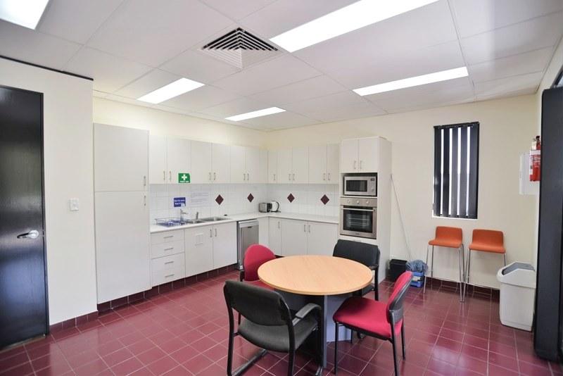 Suite 1/3912 Pacific Highway LOGANHOLME QLD 4129