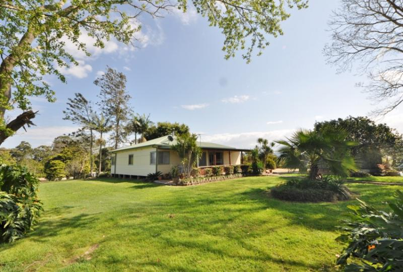 72 Grassy  Road BOWRAVILLE NSW 2449