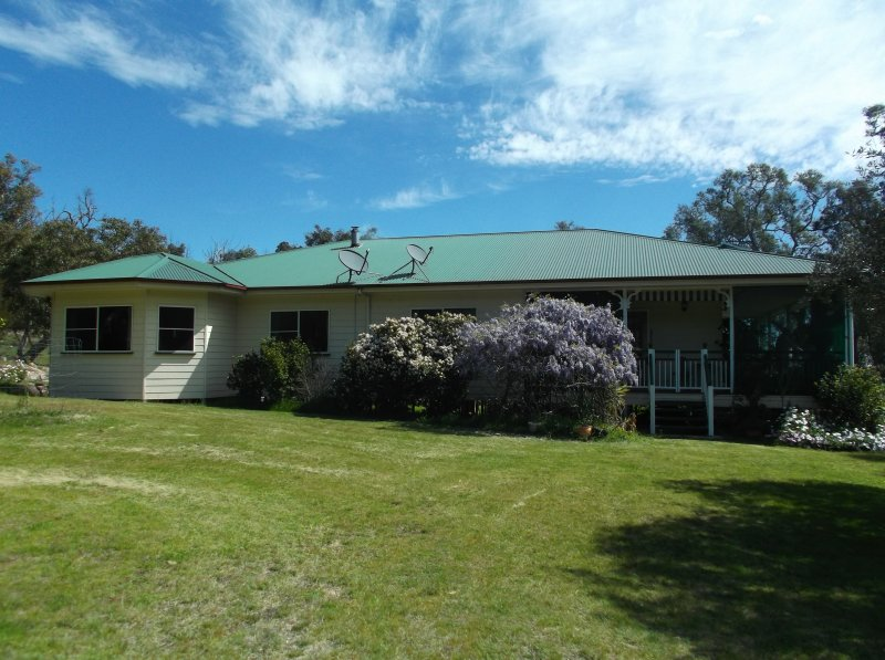 427 Limberlost Road GLEN APLIN QLD 4381