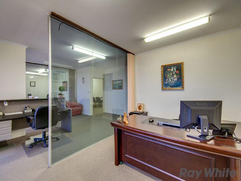 18/8 Dennis Road SPRINGWOOD QLD 4127