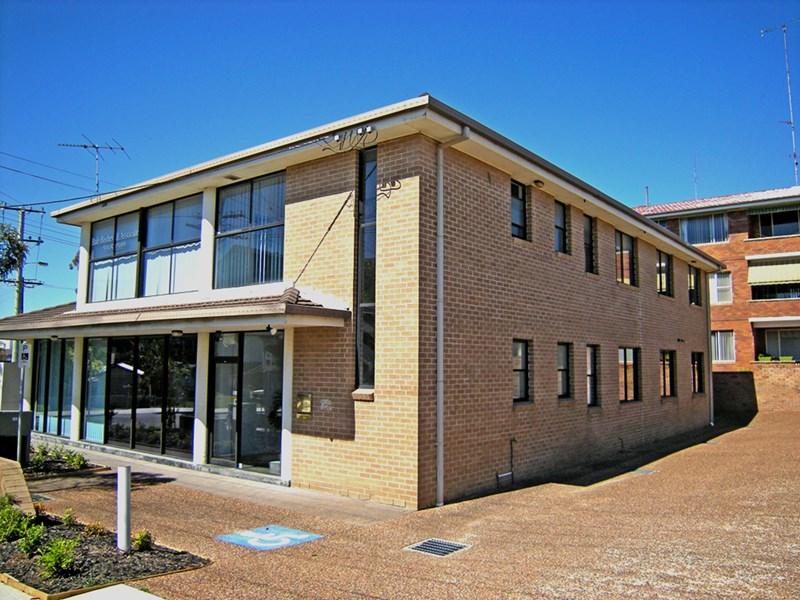 34 Macquarie Street BELMONT NSW 2280