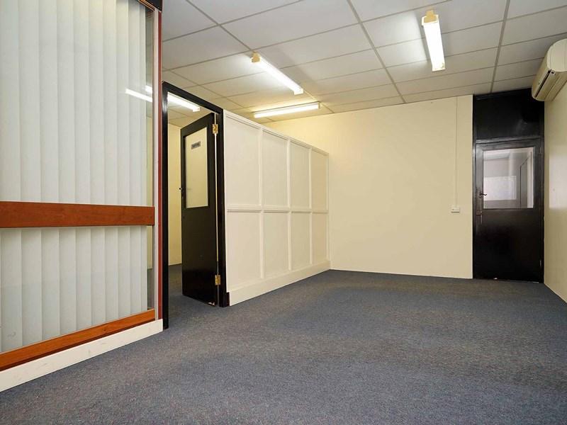 2 ground floor Walcott Street MOUNT LAWLEY WA 6050