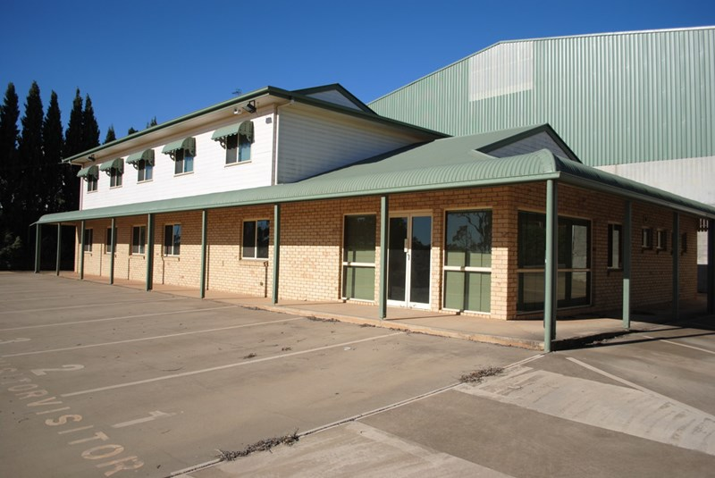 310-312 Anzac Avenue HARRISTOWN QLD 4350