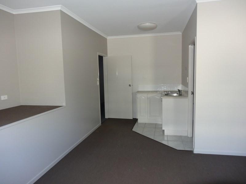2/97 Victoria Street MACKAY QLD 4740