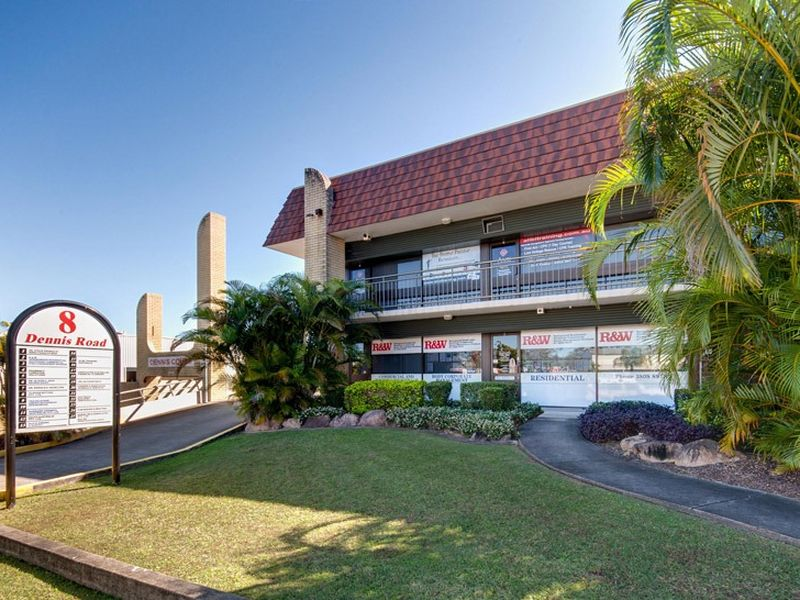 18/8 Dennis Road SPRINGWOOD QLD 4127