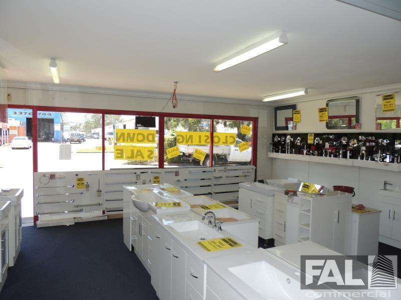 Shop  2/20 Spine Street SUMNER QLD 4074