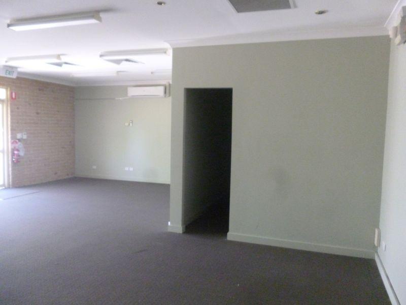 2/12 Vanessa Boulevard SPRINGWOOD QLD 4127