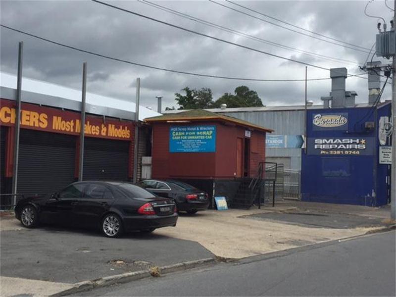 99 Longlands Street WOOLLOONGABBA QLD 4102
