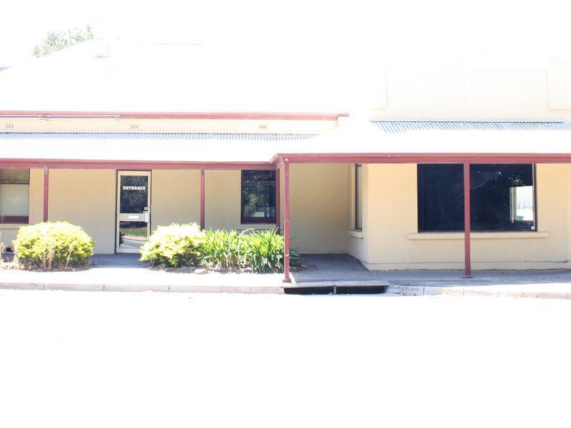 17 South Terrace STRATHALBYN SA 5255