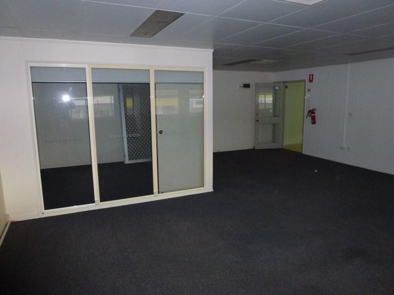 102 Howard Street NAMBOUR QLD 4560