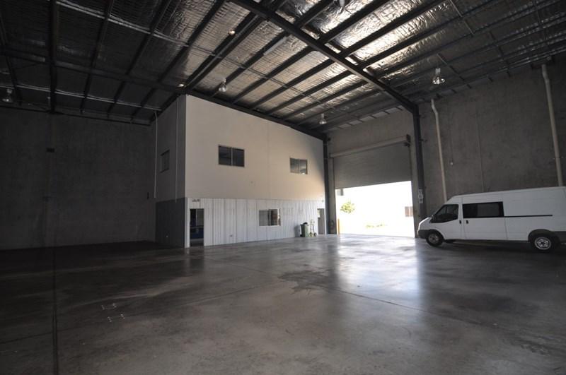 Unit 17,547 Woolcock Street MOUNT LOUISA QLD 4814