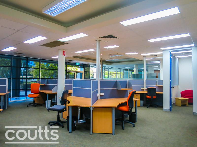 2 Solent Cct BAULKHAM HILLS NSW 2153