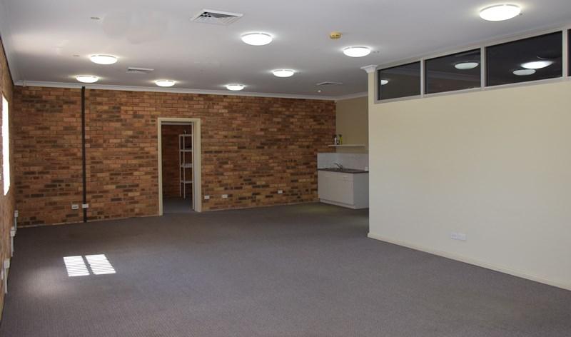 8b/19 Mitchell Drive EAST MAITLAND NSW 2323
