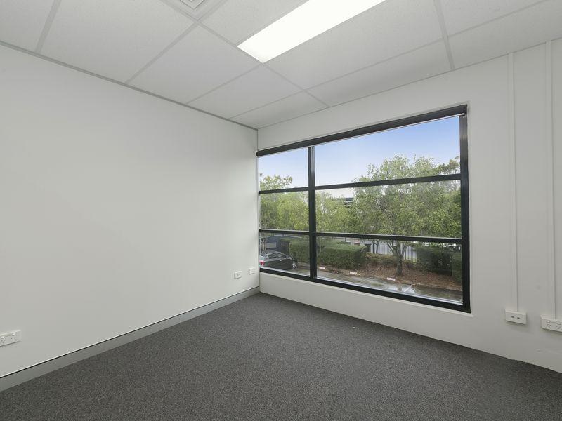 20/8 Riverland Drive LOGANHOLME QLD 4129