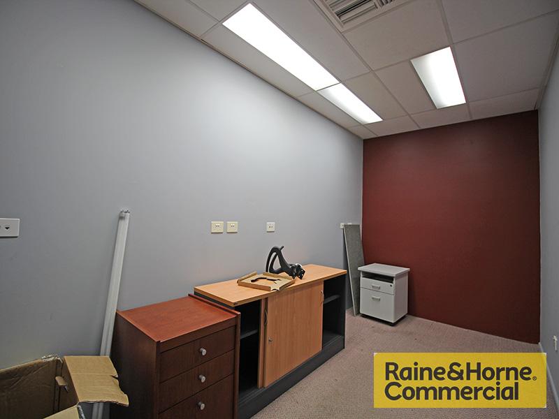 OFFICE/15 Virginia Street GEEBUNG QLD 4034