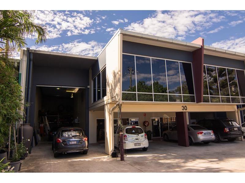 1/30 Walker Street TENNYSON QLD 4105