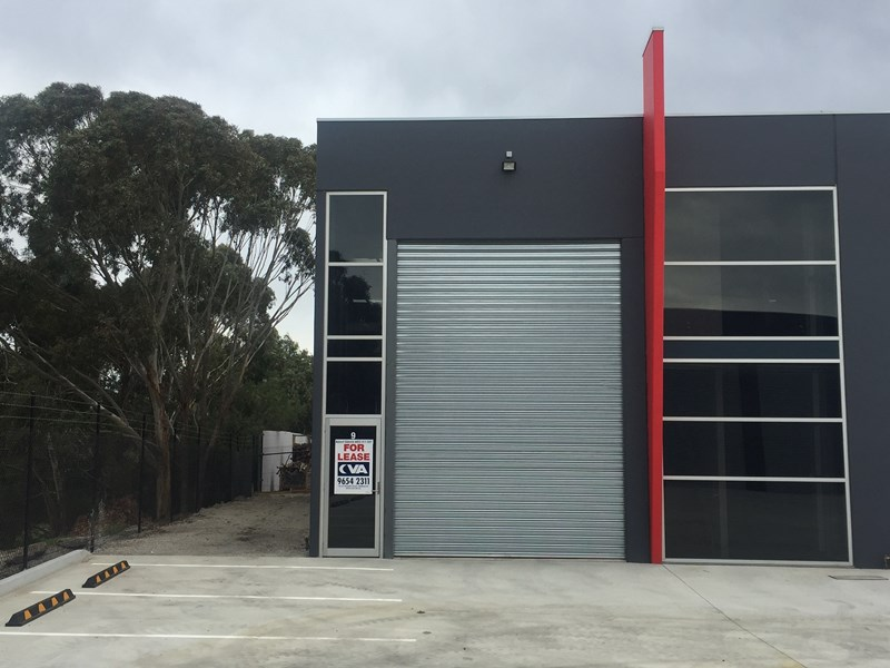 10/7 - 9 Linmax Court POINT COOK VIC 3030