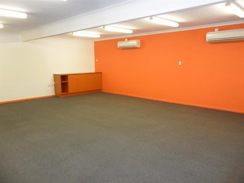Unit 2/231 Musgrave Street ROCKHAMPTON CITY QLD 4700