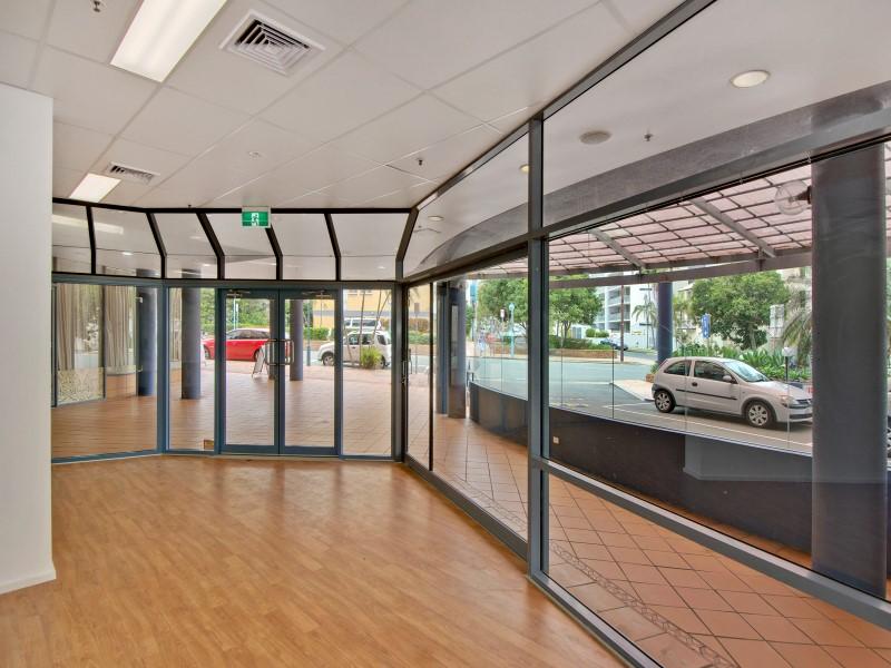2/30 Minchinton Street CALOUNDRA QLD 4551