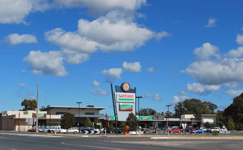 Kiosk /Moama Marketplace  Cnr Cobb Highway and Perricoota Road MOAMA NSW 2731