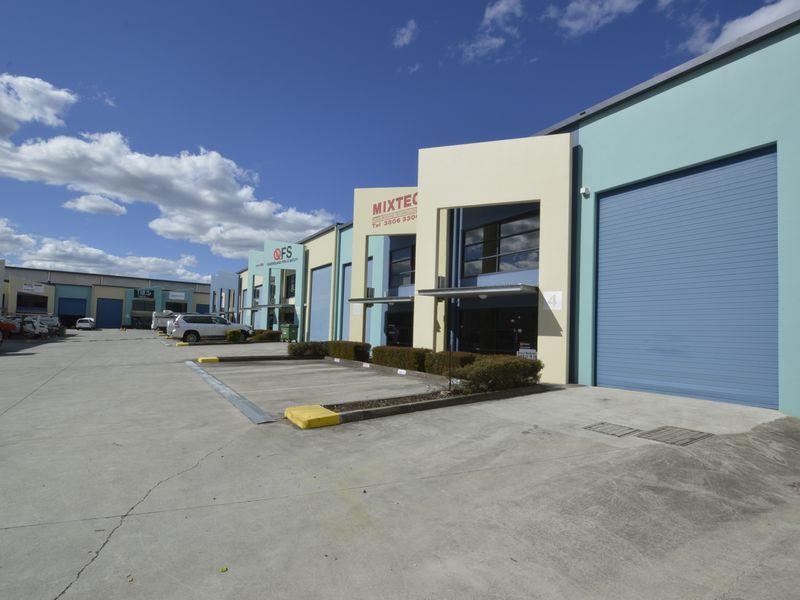 4/4-14 Riverland Drive LOGANHOLME QLD 4129
