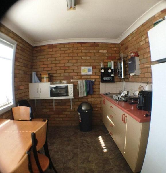 909 Metry Street NORTH ALBURY NSW 2640