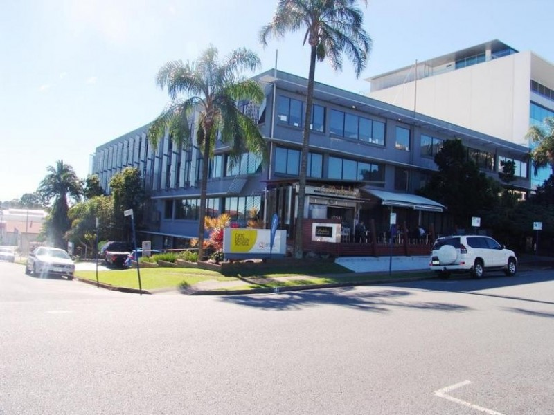 9 Bay Street SOUTHPORT QLD 4215