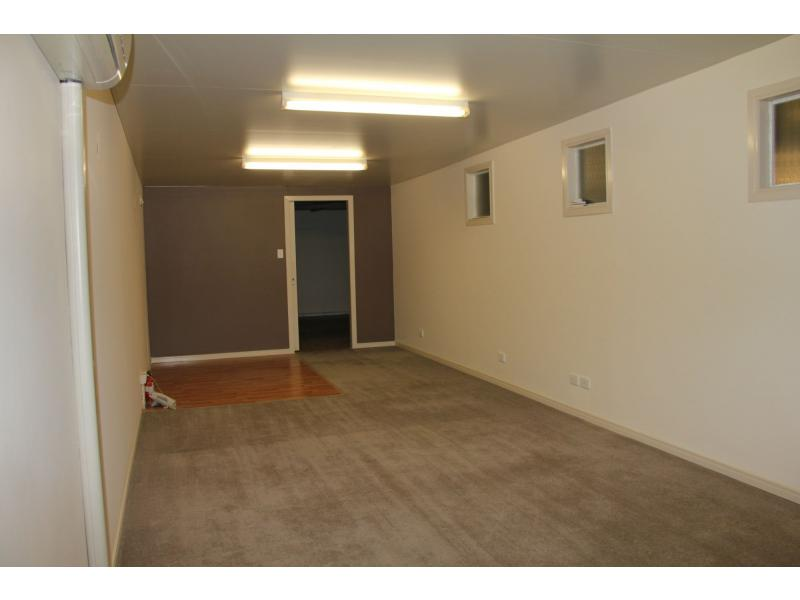 8/23 Hutchinson Street BURLEIGH HEADS QLD 4220