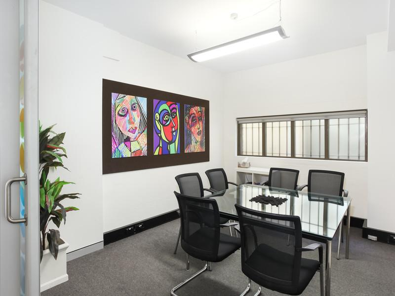 16 Holt Street MCMAHONS POINT NSW 2060