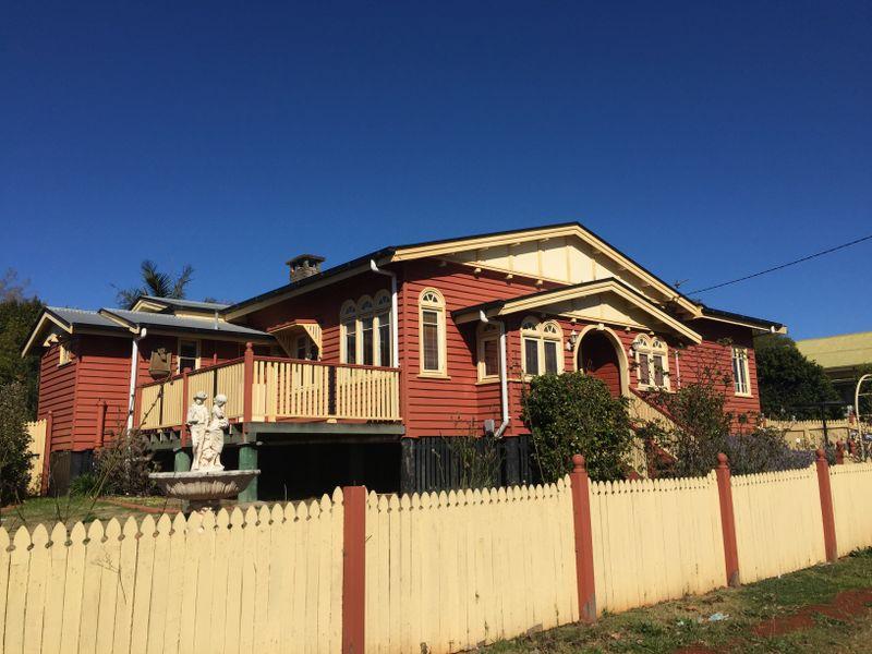 2 Aubigny Street EAST TOOWOOMBA QLD 4350